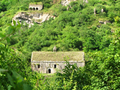 Old Khndzoresk (cave village)