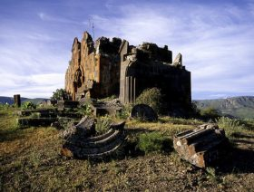 Havuts Tar Monastery