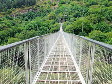 Swinging bridge (Khndzoresk)
