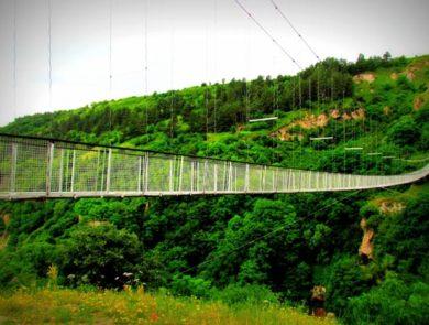 Khndzoresk Swinging Bridge