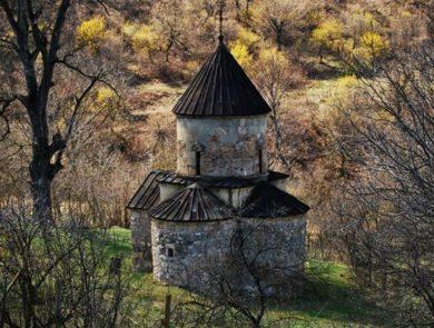 Tsrviz or Moro-Dzoro chapel