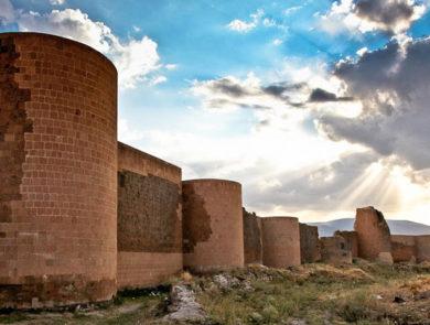 Ani, Ashotashen walls