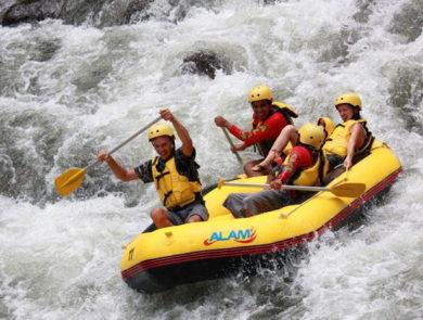 Rafting along the Ayun River