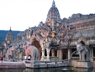 Elephant Theatre Palace in Phuket