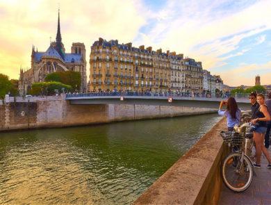 Bouquinistes, Париж