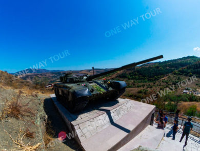 Крепость Шуши, «Памятник освобождению Шуши» (Танк Т-72)
