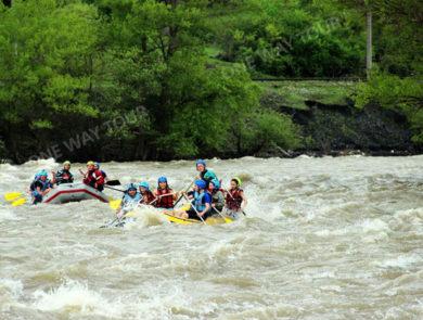 Rafting along river Kur