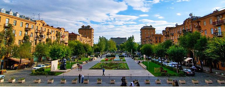 Весенний Ереван – среди доступных для россиян авианаправлений