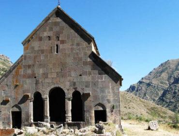 Զորաց եկեղեցի