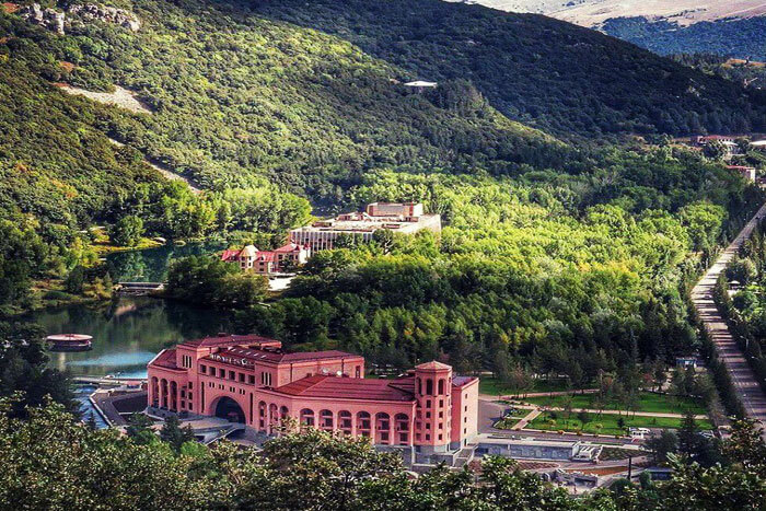 Картинки по запросу Города Армении- Джермук.