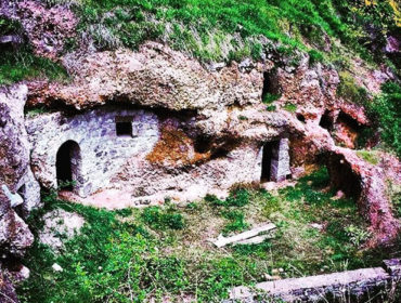 Khndzoresk cave village