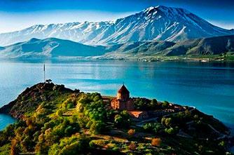 Halbinsel am Sevansee
