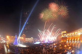 Новогодний фейерверк на площади Республики, Ереван