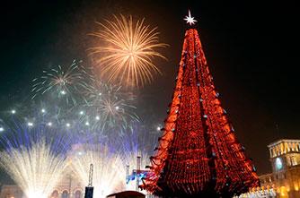 Feuerwerk auf dem Platz der Republik