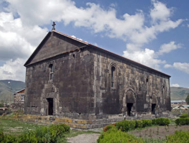 церковь Святого Креста в Апаране