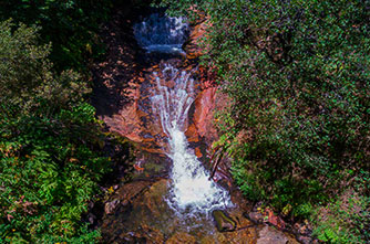 Die Wasserfälle des Dorfes Litschk