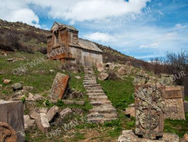 Монастырь Цахац Кар