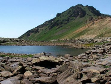 Гора Ухтасар
