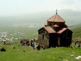 Tukh Manouk chapel