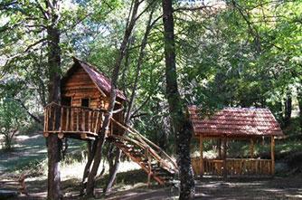 "Das ""Aghveran Park Resort"""