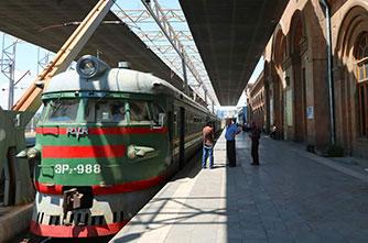 Der Zug von Tiflis nach Jerewan