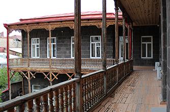 Die Galerie der Aslamazyan-Schwestern
