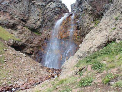 Gegharot waterfall