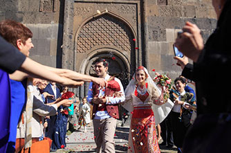Features of Armenian weddings